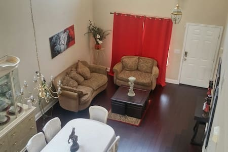 Great room with on suite bathroom. - Martinez - Casa