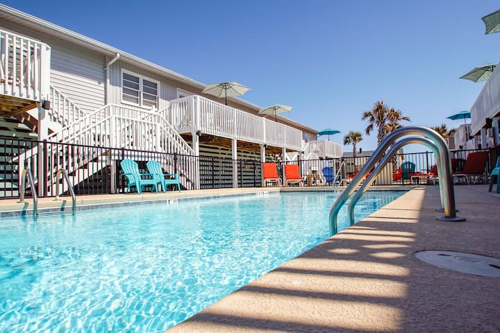 Seaside Treasures- Pelican Landing Villas- Unit 1