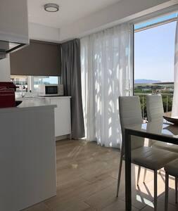 Precioso Apartamento  1° linea de mar en el centro
