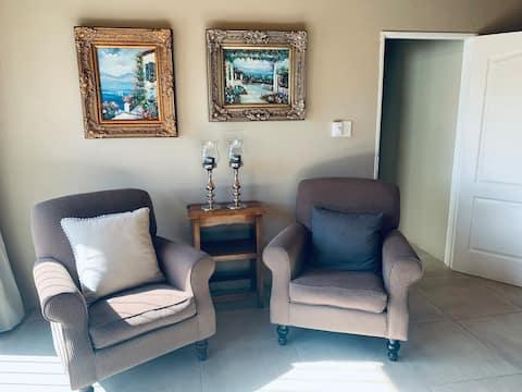 Karoo Farm-stay private room and bathroom