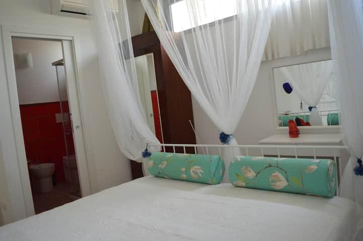 Camera rossa in CasArtVacanza  e Camera Gialla