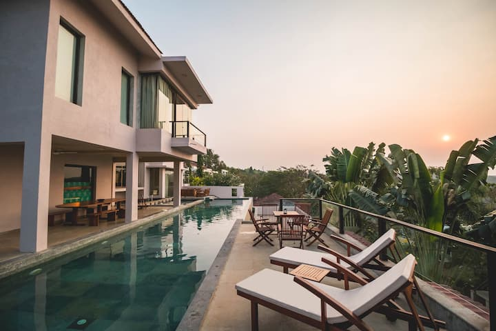 5BHK Luxury Infinity Pool SANITIZED BEFORE STAY