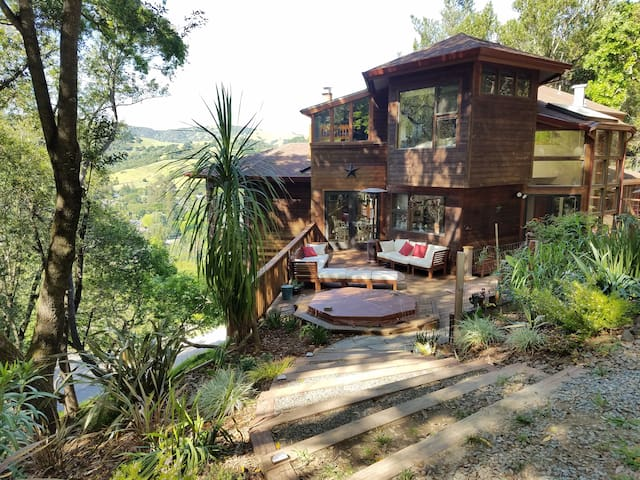 Large Tree House in Marin County w/ Views!