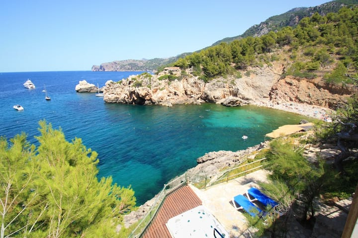 Cala Deia. Best location ever. House for rent