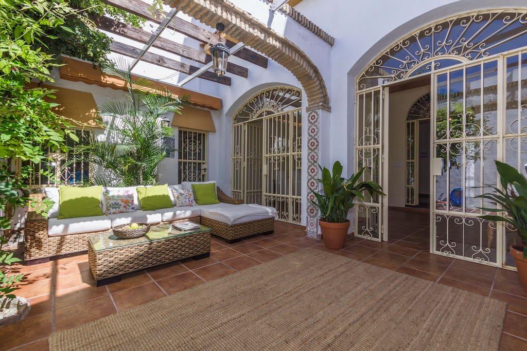 Casa palacio reformada con encanto maisons louer for Casas antiguas reformadas