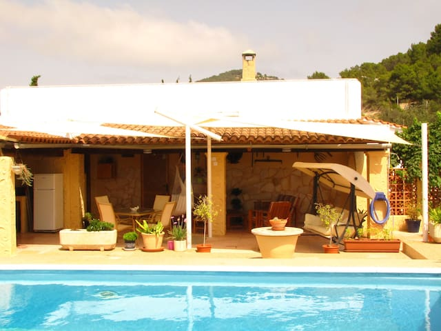 Country home with private pool - Cala Llonga - Haus