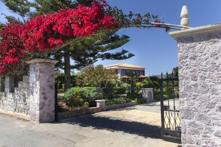 Luxury Villa Antikleia - Chersonisos