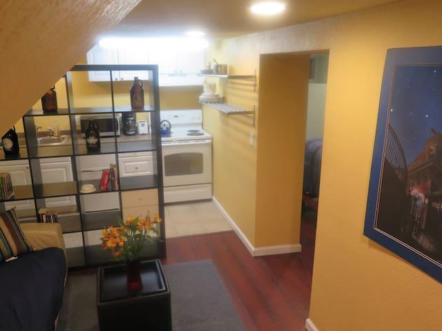 Small 2 room studio in Capitol Hill