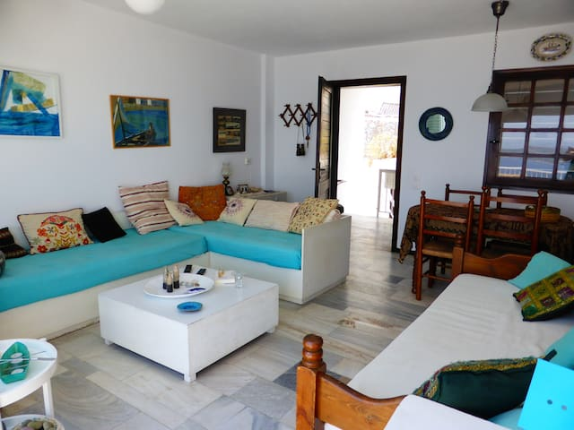 Summer holiday apartment with seaside view - Spetses - Dům