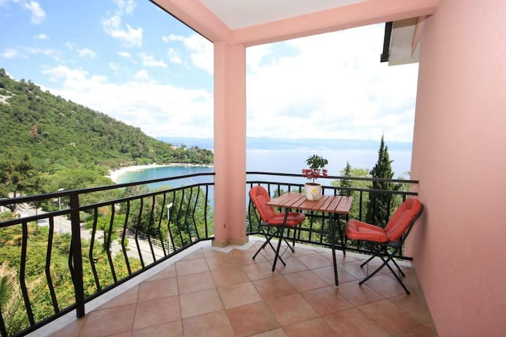 Room with terrace and sea view Medveja (Opatija) (S-2305-b)