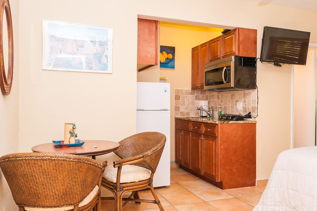 Kitchenette and TV.