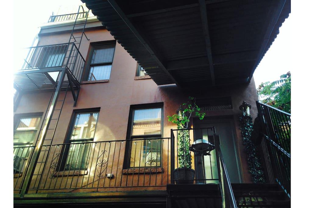 hidden manhattan brownstone appartements louer new york new york tats unis. Black Bedroom Furniture Sets. Home Design Ideas