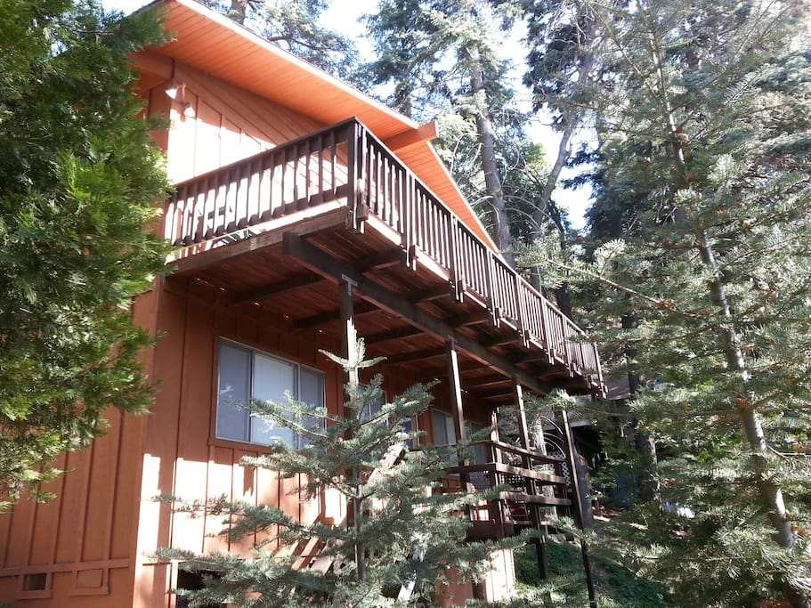 Our beautiful lake arrowhead cabin cottages for rent in for Cabins in lake arrowhead ca