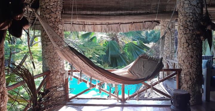 AJABU NYUMBA Villa with pool in 300mt from the sea