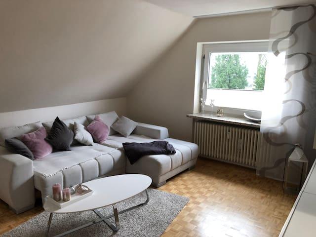 Schöne helle zwei Zimmerwohnung
