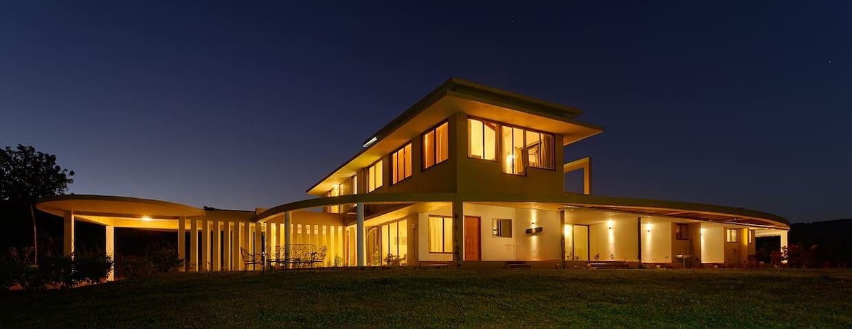 Le Farm - A Modern Homely Farm - Lonavala - Villa