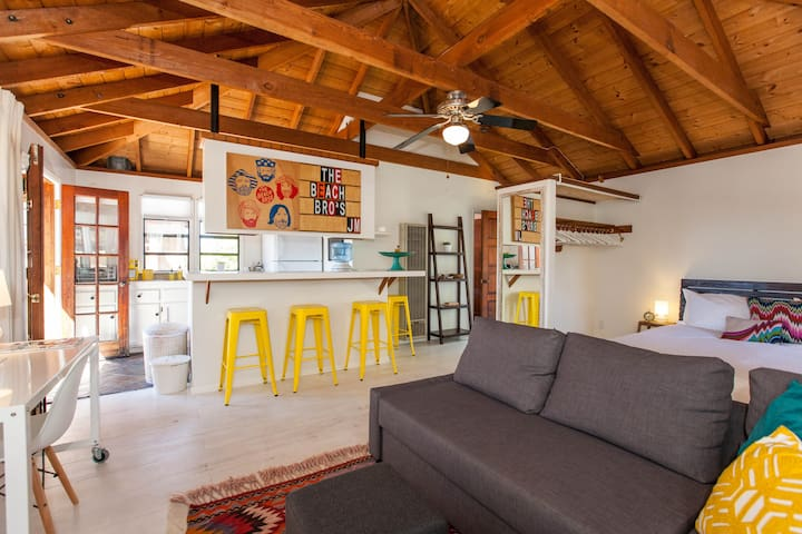 Studio Loft Space - Treetop views - Encinitas