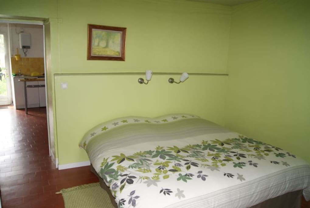 Ermitage st romble chambre verte bed and breakfasts for for Chambre a part couple