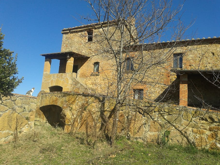 Lucignanello Cottage from below..