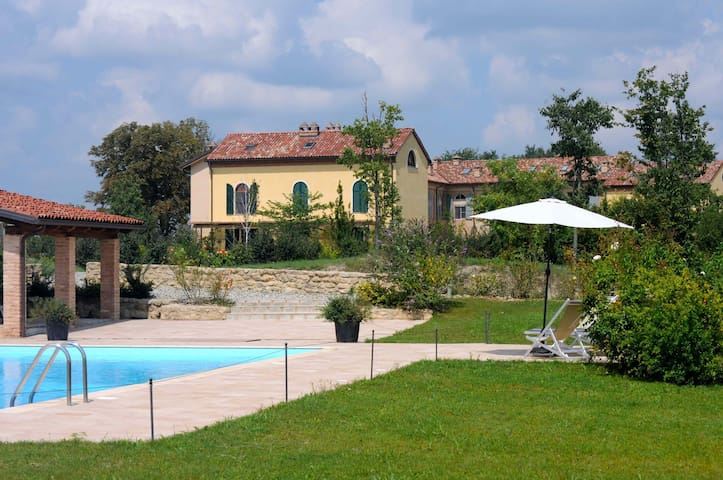 Monferrato: Apartment in farmhouse - Grazzano Badoglio - Appartement