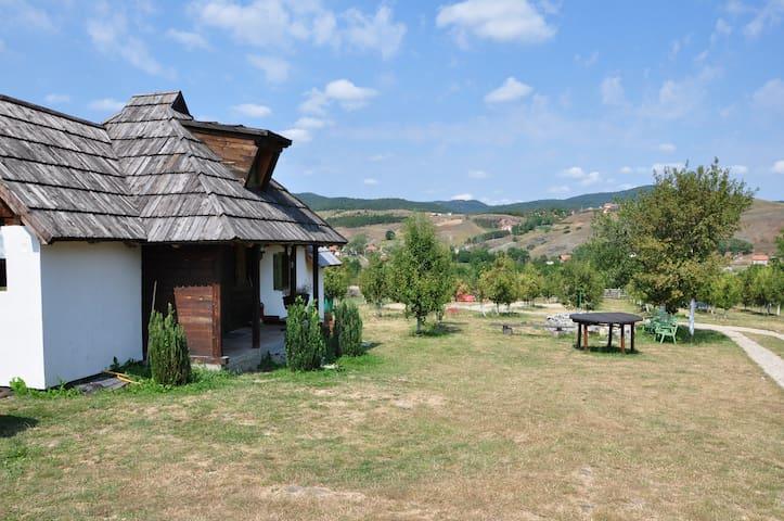 Cosy little wooden chalet - Kremna - Talo