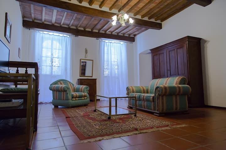CASA LUNA,CORTONA HISTORICAL HOUSE: Tuscan Flavour