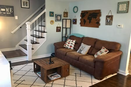 charming private bed & bath in Brookline