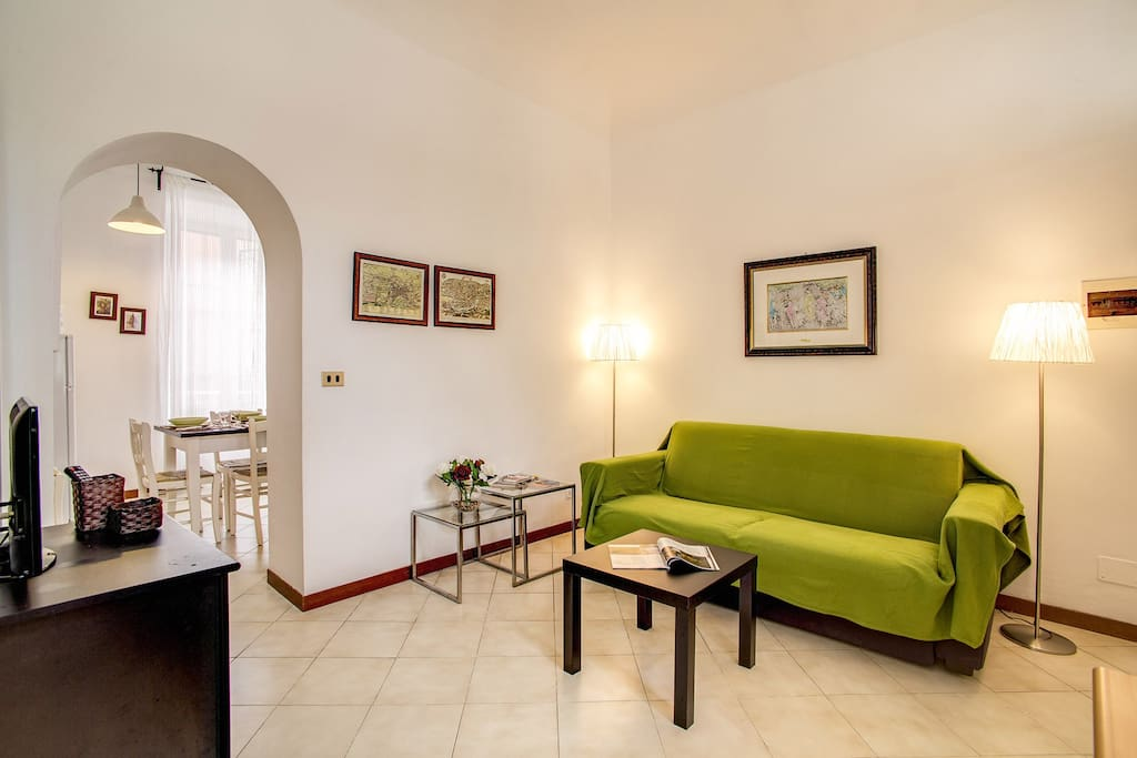 Colosseo 2 bedroom walking distance - Apartments for Rent ...