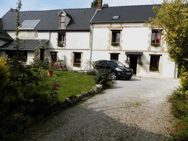 Maison avec piscine intérieure - Noailles - Casa
