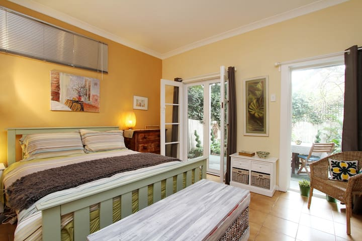 Foucart St, a garden apartment. Private Entrance.