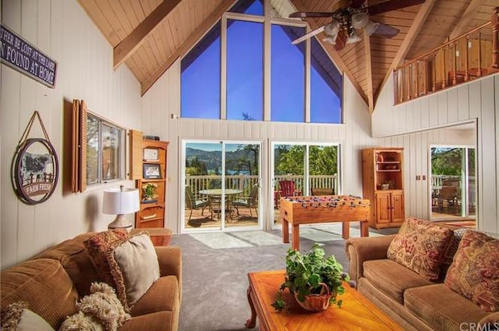 Sweet North Shore Retreat With Lake Access
