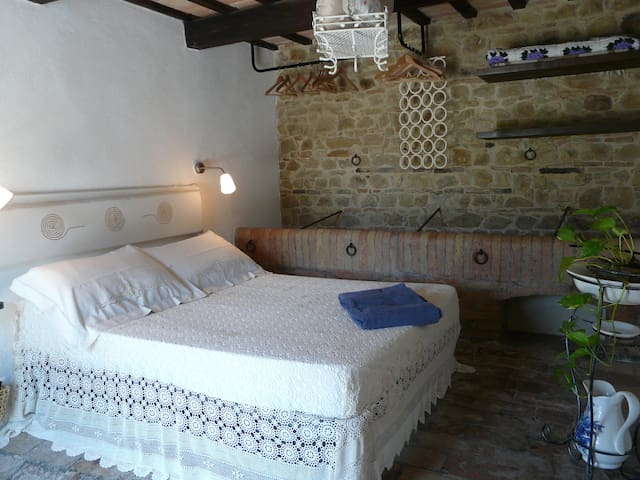 Una camera piena di charme! - Tolentino - Bed & Breakfast