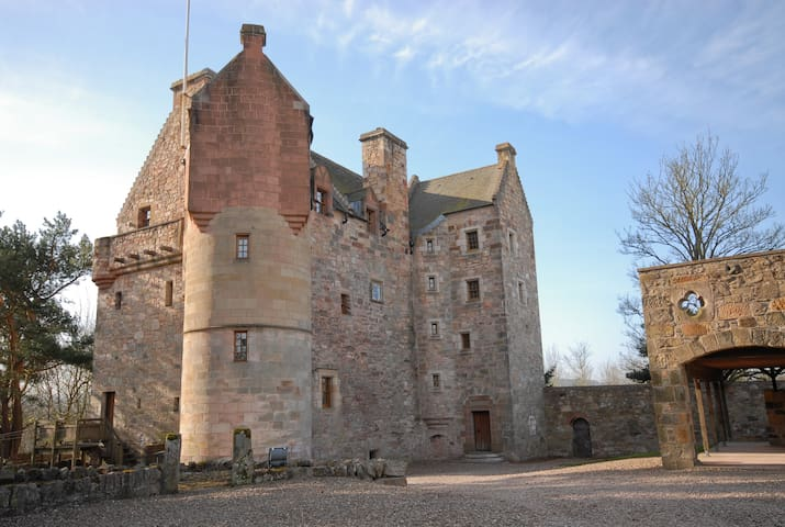Dairsie Castle (historic Scotland) - Fife - Şato