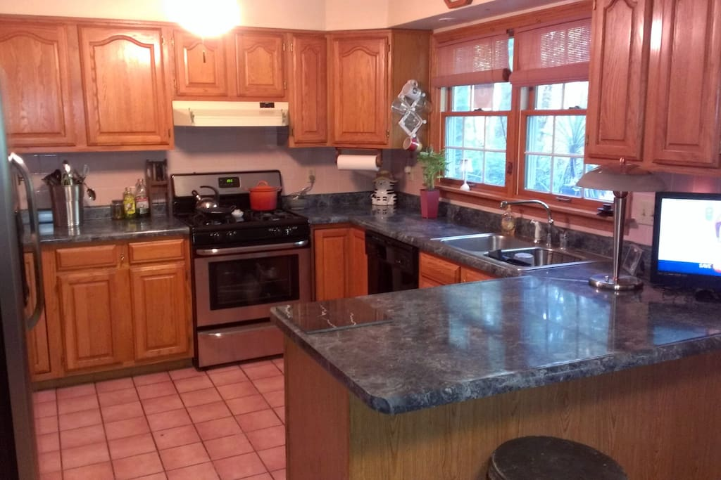 Big & comfortable kitchen fully equipped