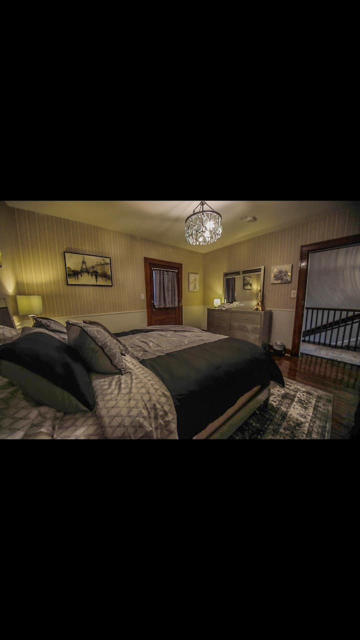 Boone Trace Inn, Cozy Bedroom #1