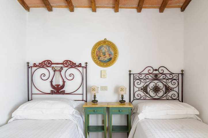 Tuscan Charme for 4 - Montechiaro - House