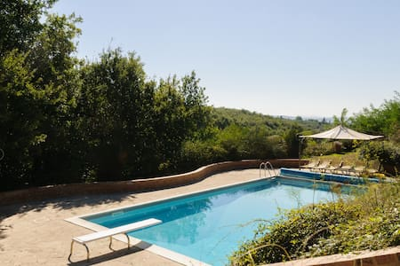 Elegant Siena Villa for 6 with Pool - Pianella - Villa