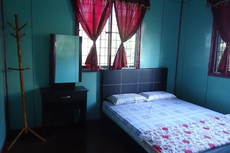 MandarouHome, Queen bed. - Ranau - บ้าน