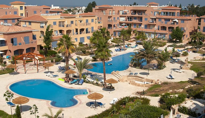 Limnaria Gardens 2 Bed Apartment in Kato Paphos