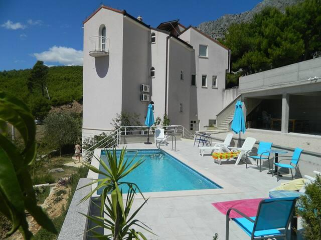 Cozy Studio with a pool & sea view - Lokva Rogoznica - Apartment