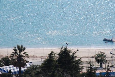 Luminoso,accogliente con vista mare - Albissola Marina