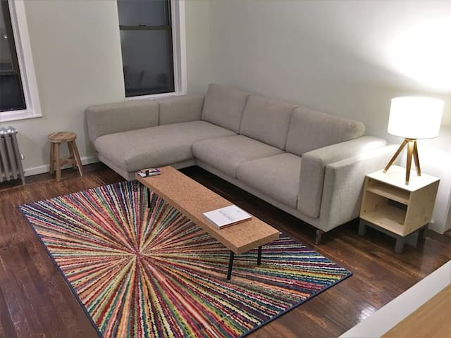 Brand New, Spacious 2 Bedroom Next To Times Square - New York - Appartement