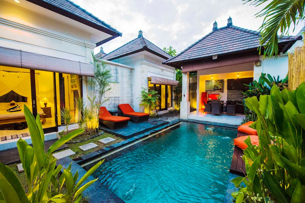 pol, front view of villa, chill area