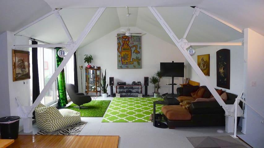 Unique Private Loft/Apartment   - Minneapolis - Loft