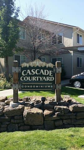 Cascade Courtyard Condominium