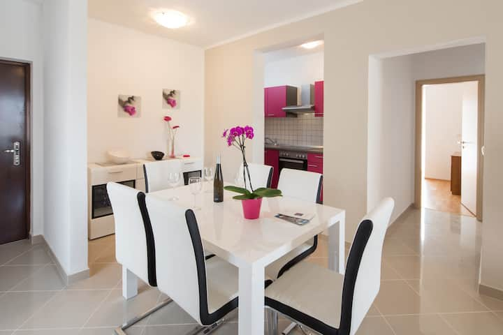 Apartment for 4 in Villa Kolar