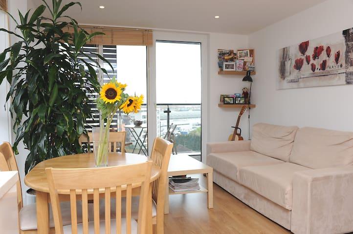 A Modern Flat in East London - Londen - Appartement
