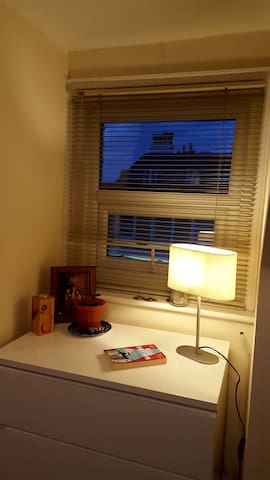 Cousy 1 bedroom flat in west Hampstead , Zone 2