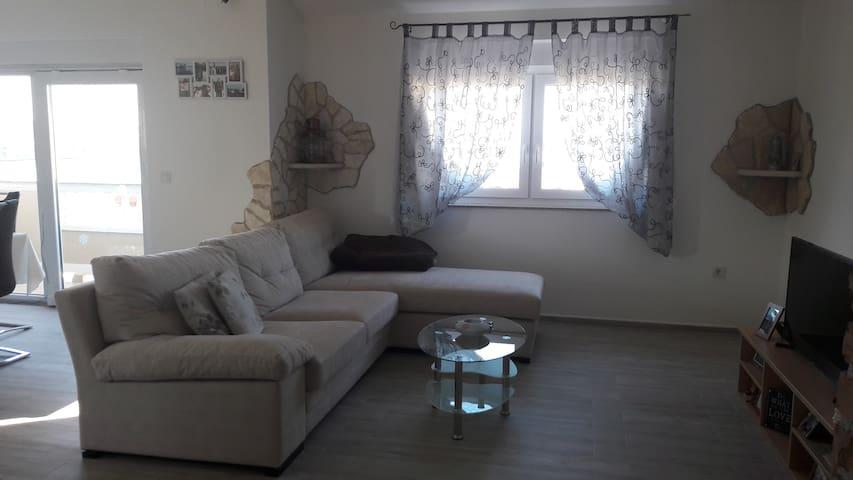 Nice, quiet, all new apartment - Lopar