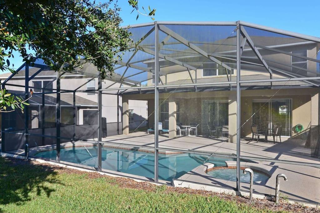 The sparkling clear, private pool is a perfect oasis in the sunshine during your vacation stay at this wonderful home. Relax and soak up the Florida sun on the loungers and make sure to relax in the bubbling spa pool in the evening.